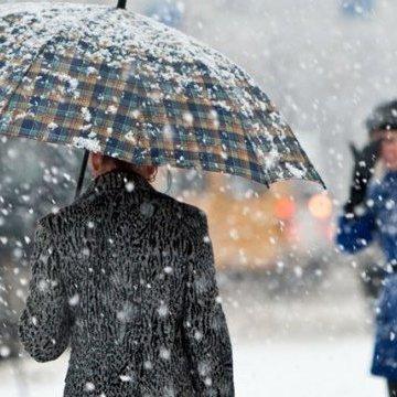 Україну сьогодні накриють снігопади та дощі, у всіх регіонах потепліє (карта)