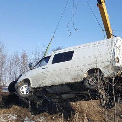 На Запоріжжі мікроавтобус з волонтерами зазнав автокатастрофи (фото)