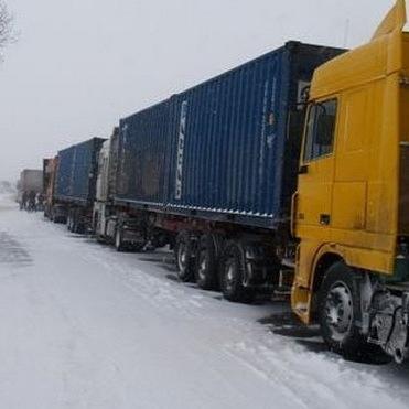 До Київщини тимчасово заборонили в'зд вантажівок