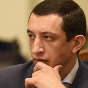 На островах з коханкою: українців вразив скандал за участю депутата (відео)