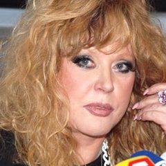 68-річна Алла Пугачова показала шанувальникам «чесне» фото - без грама макіяжу (фото)