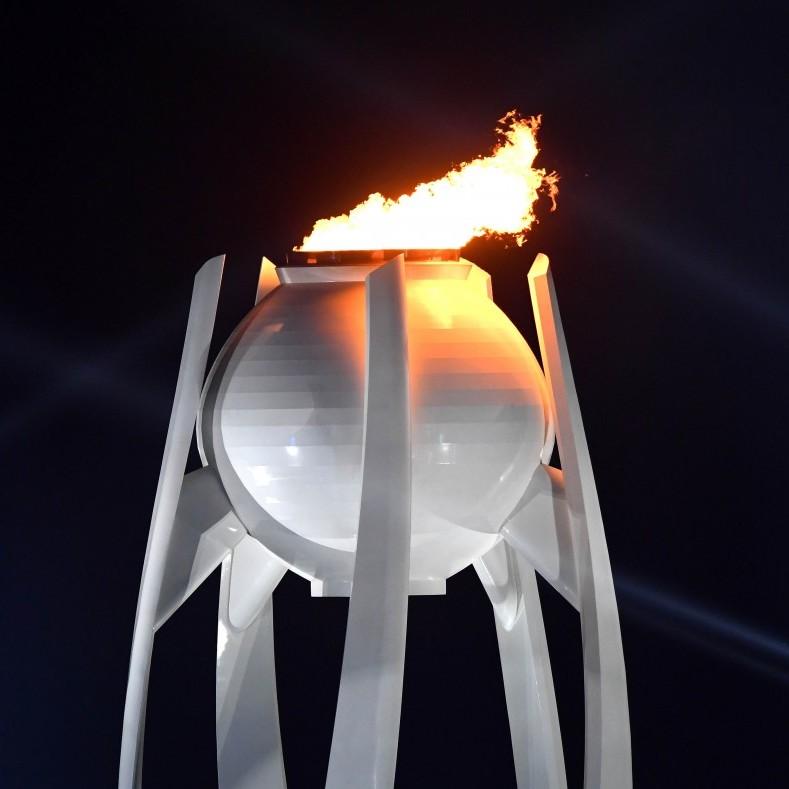 В чаші стадіону в Пхенчхані запалили Олімпійський вогонь - Ігри офіційно відкриті  (фото)