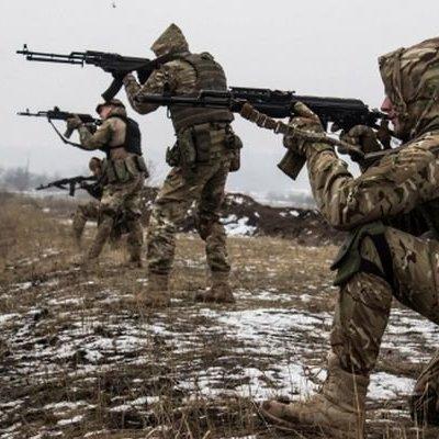 Внаслідок ворожих обстрілів на Донбасі поранення зазнав один український воїн - штаб