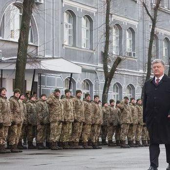 Порошенко: В Україні пройшли успішні випробування модернізованого зенітно-ракетного комплексу С-125М «Печора»
