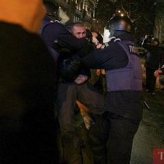 Біля АП відбулась сутичка між силовиками та прихильниками Саакашвілі
