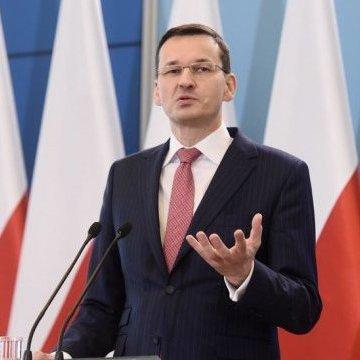 Прем'єр Польщі поставив Хмельницького в один ряд з Гітлером
