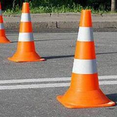 Батьки та вчителі з двох сіл Хмельниччини рухалися пішохідним переходом і зупинили рух транспорту через закриття шкіл