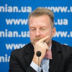 Шоумен Антін Мухарський покинув Україну і шукає політичного притулку в одній із країн Європи