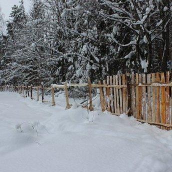 У Росії урочисто відкрили паркан із відходів