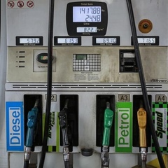 АЗС масово знижують ціни на бензин і газ