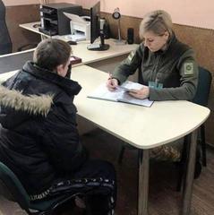 Українець намагався навприсідки прокрастись до Польщі повз прикордонників