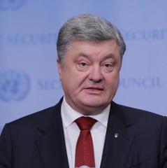 Майже 6% ВВП України йде на безпеку і оборону - Порошенко