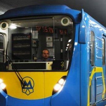 У Києві 6 станцій метро відновили роботу