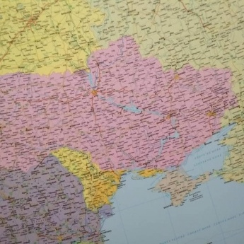В Будапешті з продажу вилучили карти з неукраїнськими Кримом та Півднем України