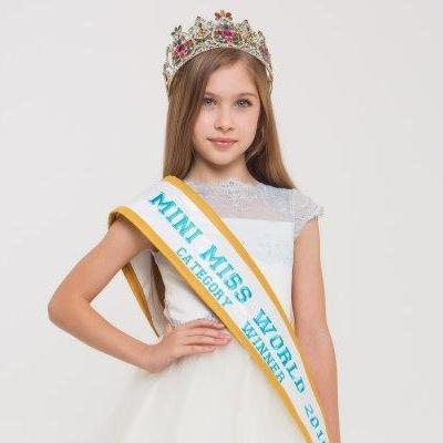 Росіяни використали фото вінничанки для всеросійського конкурсу краси (відео)