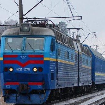 «Укрзалізниця» призупинила продаж квитків на дати після 25 березня