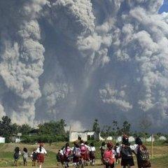 Пробудження вулкану в Індонезії: оголошено найвищий рівень небезпеки