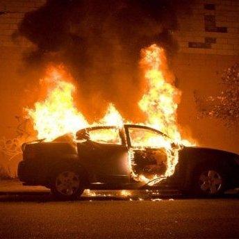 В Одесі спалахнув автомобіль судді