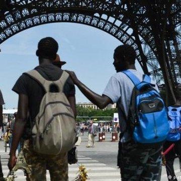 Міграційне законодавство Франції планують зробити жорсткішим