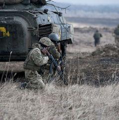 Волонтери показали, як один влучний постріл ЗСУ на Донбасі призводить до втрат терористів (відео 18+)