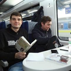 Укрзалізниця розпочала продаж книжок у потягах