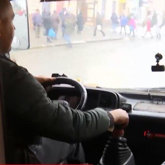 В Чернівцях водій викинув із маршрутки ветерана АТО