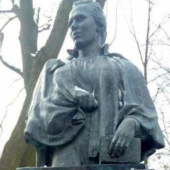 У Києві осквернили пам'ятник на могилі Лесі Українки