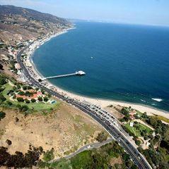 У Каліфорнії дозволили використовувати безпілотні автомобілі