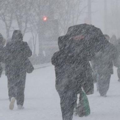 Україну сьогодні накриють снігопади, у всіх регіонах буде морозно (карта)