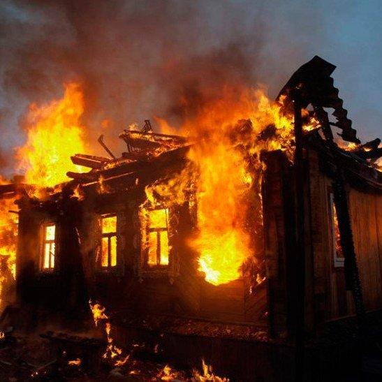 На Волині у власному будинку згоріла жінка