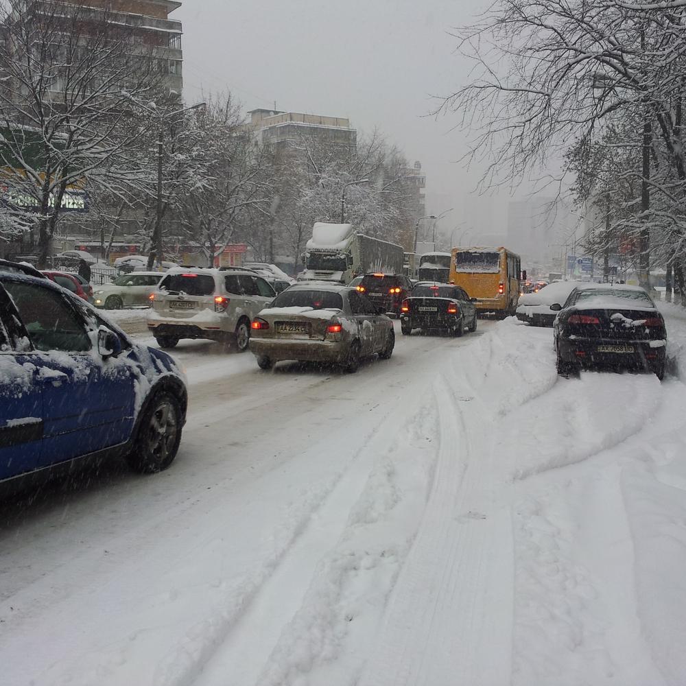 Київ просить Міноборони та МВС допомогти прибрати сніг