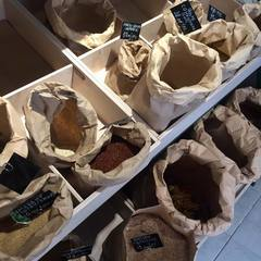 В Ужгороді відкрили першу еко-крамницю, де не використовують пластик (фото)