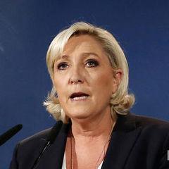 Ле Пен висунули обвинувачення за поширення фото зі сценами насильства