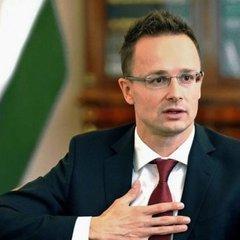 Сіярто заявив про «брутальну атаку» України на права закарпатських угорців