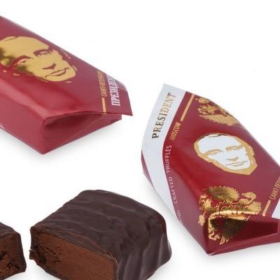 Шоколадний Путін: у Росії з'явилися цукерки із зображенням президента РФ (фото)
