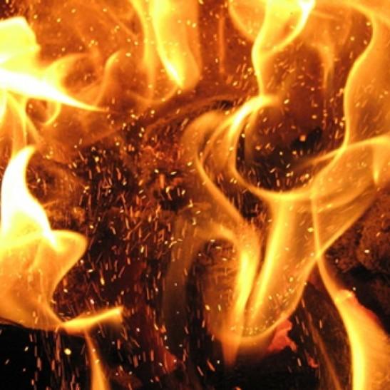 Вночі у Києві вщент вигоріла дерев'яна церква УПЦ КП