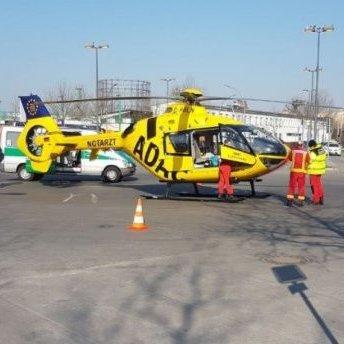 Автобус наїхав на рятувальний вертоліт у Берліні: фото