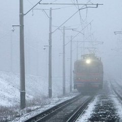 Попри негоду поїзди йшли за графіком - Укрзалізниця