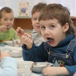 Із постачальниками неякісної їжі в дитсадки Києва розірвуть договори – КМДА