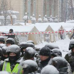 Поліцейського, який напав на журналіста під Радою, відсторонили від роботи