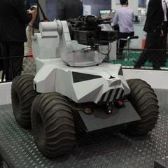 У Сінгапурі почали розробку дронів з кулеметами