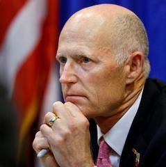 Губернатор Флориди дав дозвіл на носіння вчителями зброї