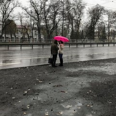 В Україні сьогодні місцями пройдуть дощі, на півдні потепліє до +15° (карта)