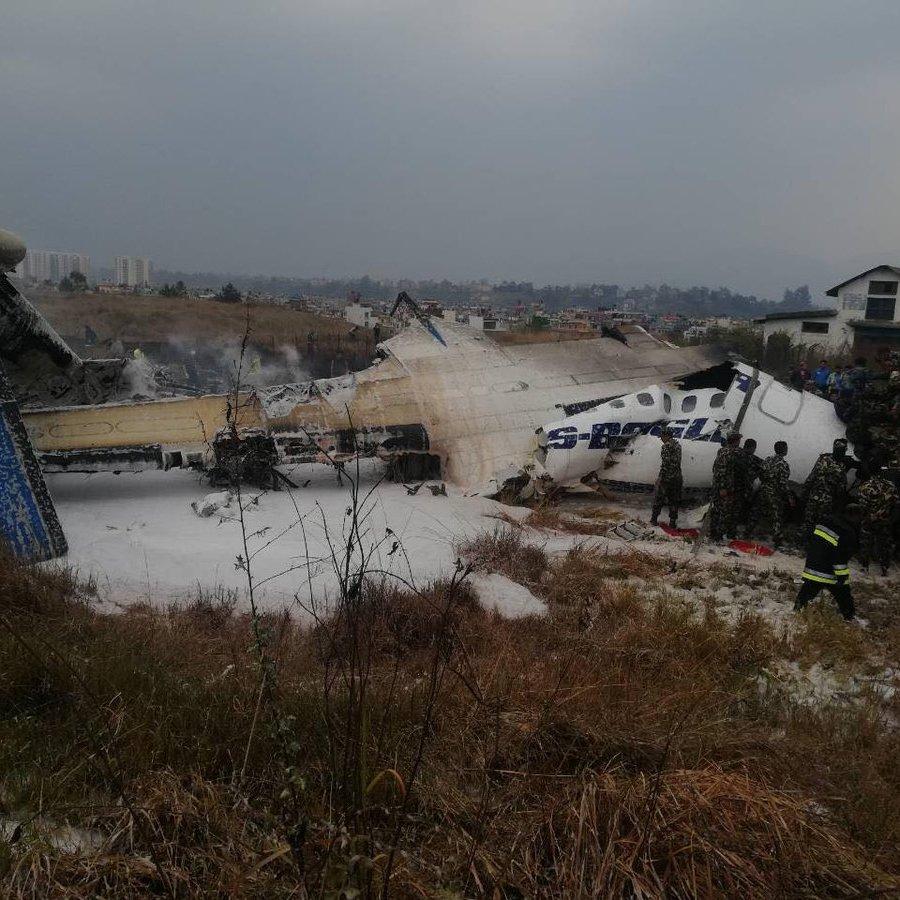 У Непалі розбився пасажирський літак