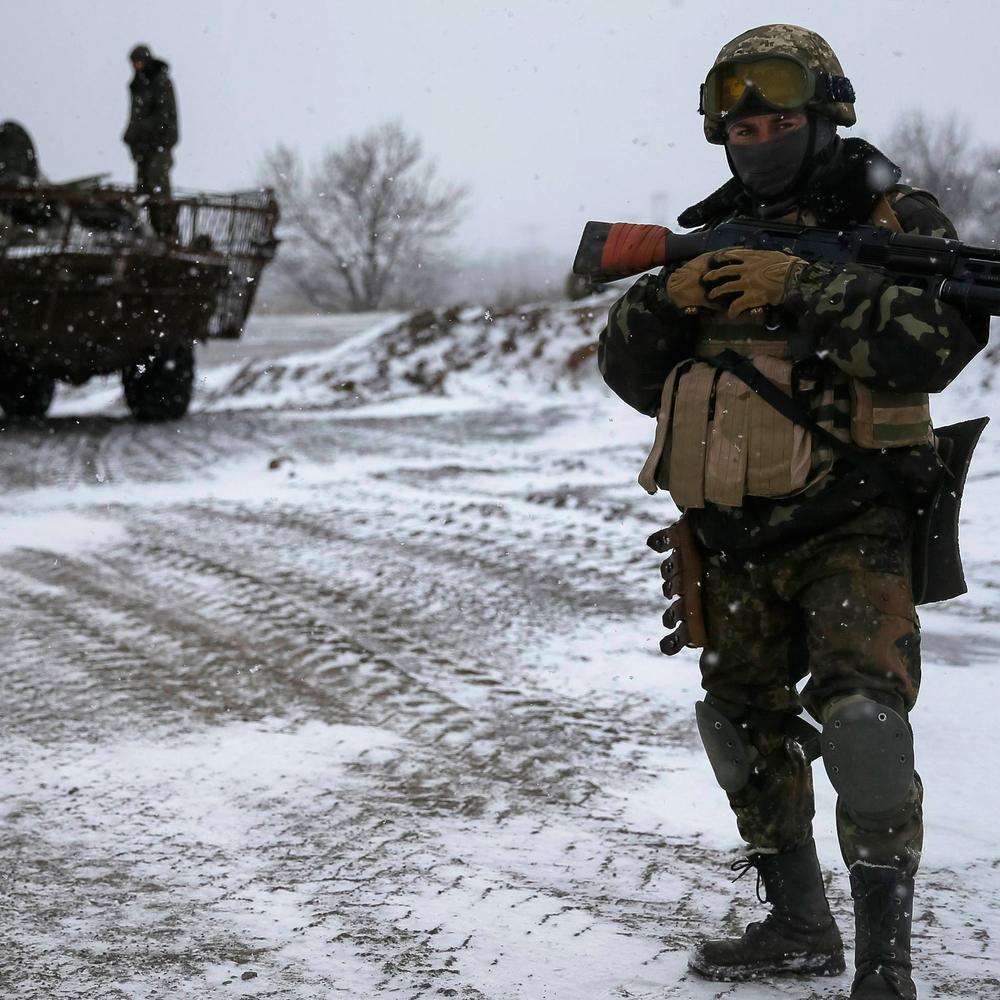 Окупанти застосували по силах АТО 120 та 82 мм міномети і гранатомети поблизу Павлополя - штаб