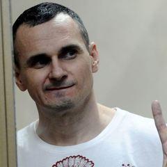 Сенцов пише сценарії і чекає звільнення, – адвокат