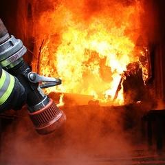 Через пожежу на військовому полігоні загинув боєць, ще семеро обпеклися