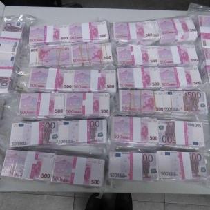 У Німеччині чоловік здав поліції знайдені 8 млн євро