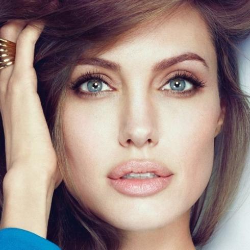 Анджеліні Джолі приписують черговий роман (фото)