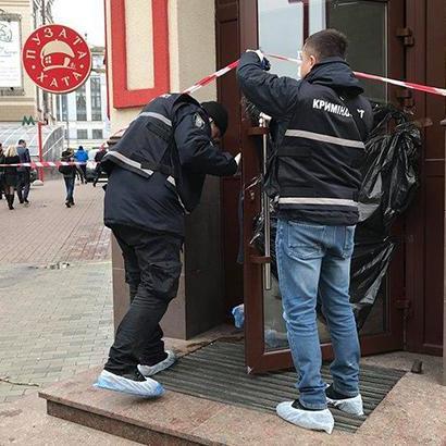 У столичному кафе відвідувач вбив себе ножем (фото)
